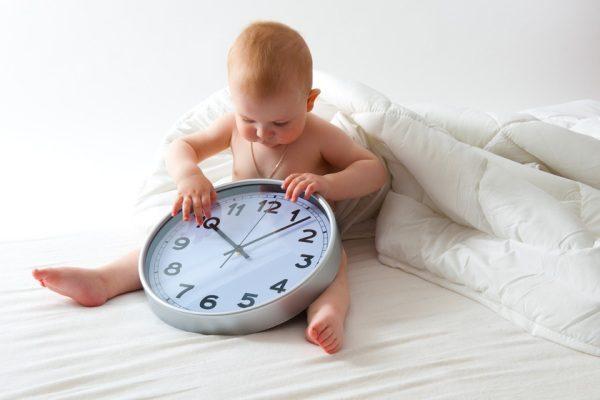 Малыш и часы