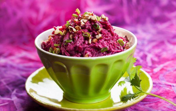 Салат из свёклы с орехами
