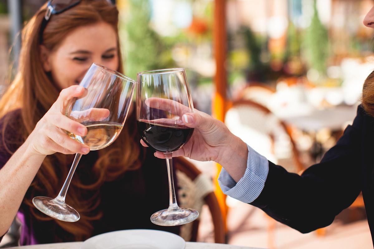 Волнующий вопрос: совместимо ли грудное вскармливание с алкоголем