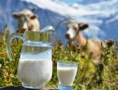 молоко на столе мамы