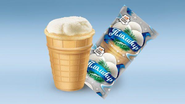 Упаковка и порция мороженого пломбир в вафельном стаканчике