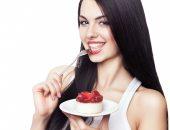 Девушка со сладостями