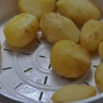 Картофель, приговленный на пару в мультиварке