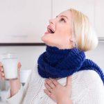 Полоскание горла содо-солевым раствором