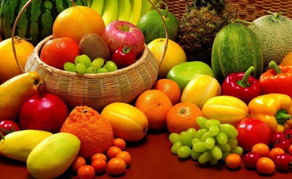 Овощи, фрукты и ягоды, которые не рекомендуется есть кормящей маме