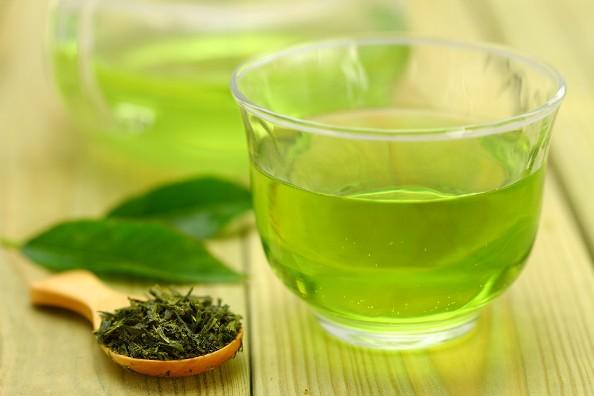 Бодрящий зелёный чай